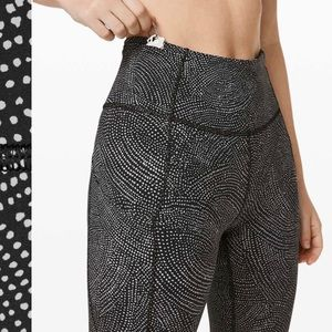 """NWOT Lululemon Fast and Free Crop 19"""" Size 6"""